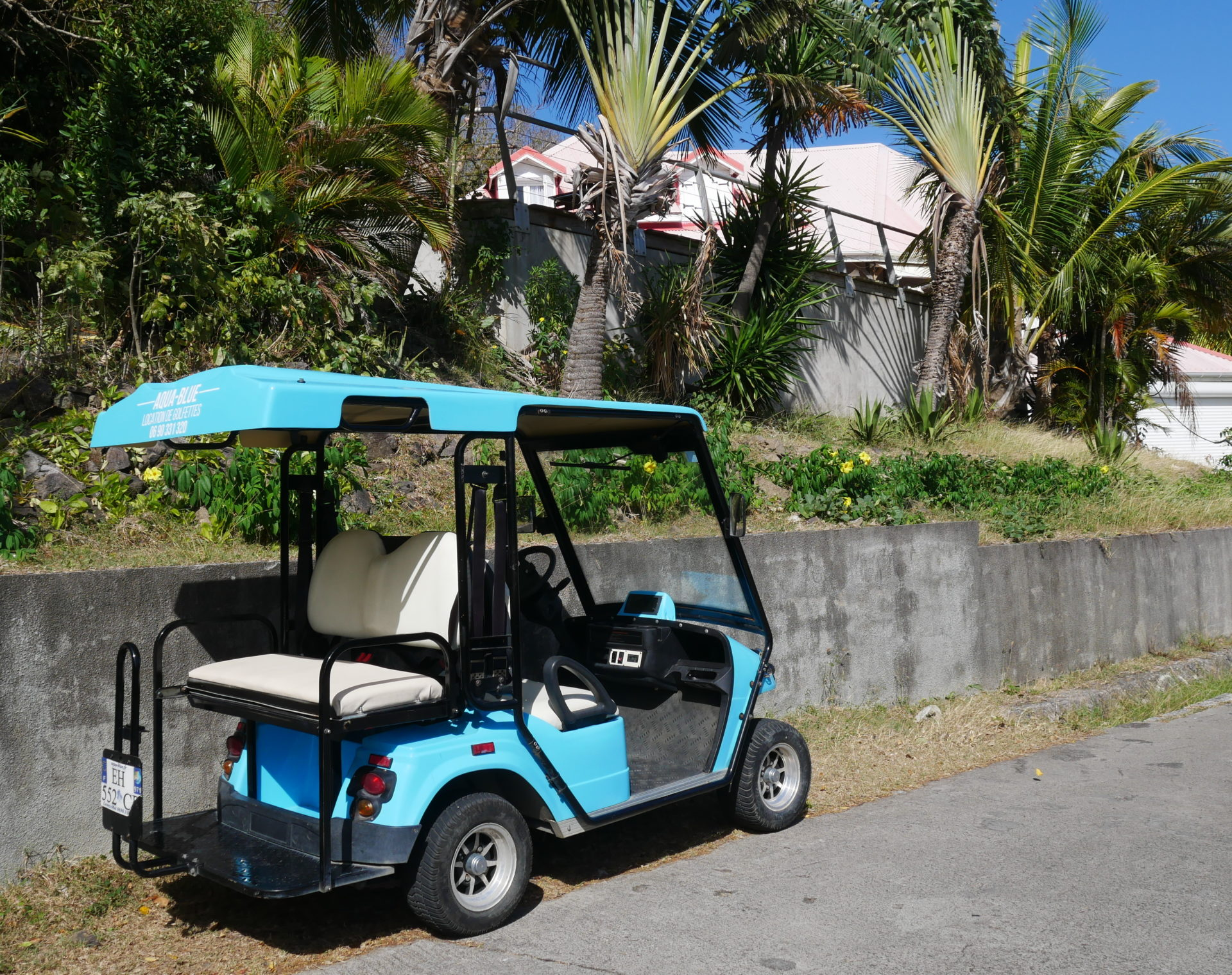 voiturette de golf pour visiter les saintes